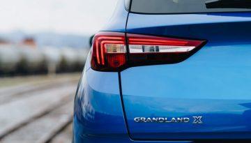 Opel_Blau_Hinten_